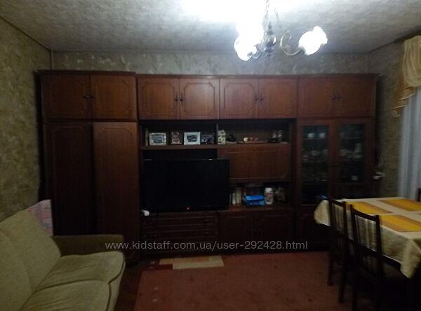 Мебель стенка для гостиной Румыния журнальный столик в подарок