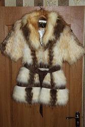 Меховой жилет шуба жилетка из натурального меха енота и лисы