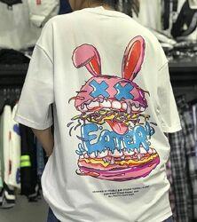 Стильная футболка с мультяшным принтом. Одежда в стиле хип-хоп.