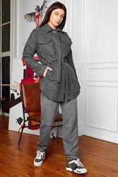 Трендовое пальто полуприлегающего кроя