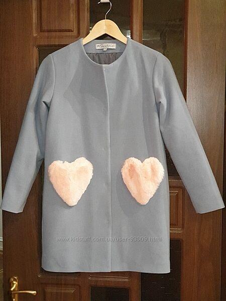 Продам кашемировое пальто для девочки