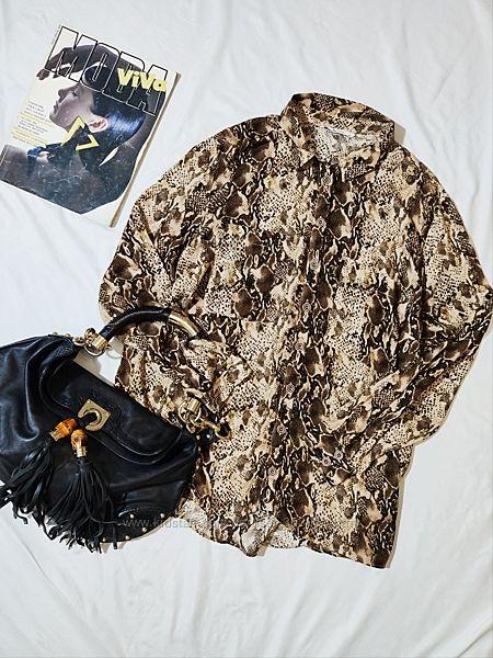 Cтильная вискозная рубашка в тигровый принт  TU UK 22