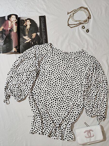 Чудесная белая блузка в горошек с пышным рукавом TU