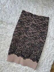Женская классическая утягивающая бежевая чёрная юбка карандаш