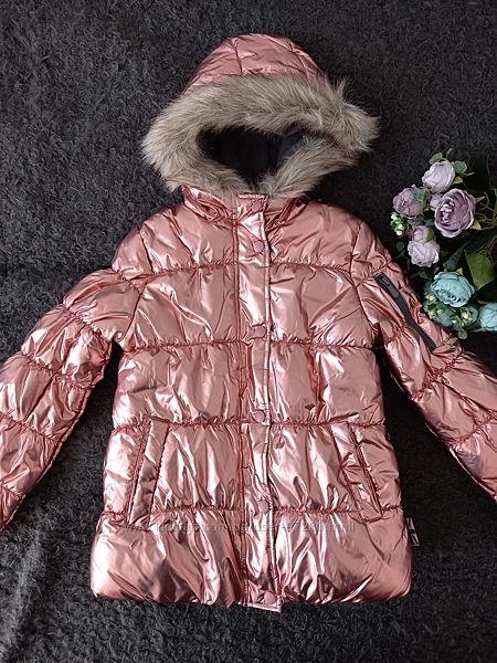 Очень красивая куртка на девочку London Fog