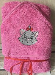 Полотенце с капюшоном. Можно сделать именным. Подарок малышу к праздникам.