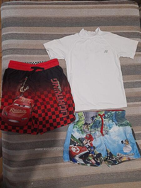 Фирменные шорты для плаванья и футболка к ним с защитой от солнца, на 4-6л.