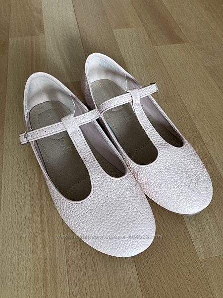 Туфли с Т-образным ремешком RESERVED р.35