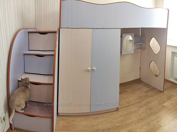 Ліжко для дівчинки з матрацом, шафкою, комодом, столом