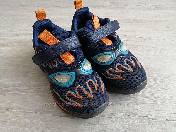 Светящиеся кроссовки Башили