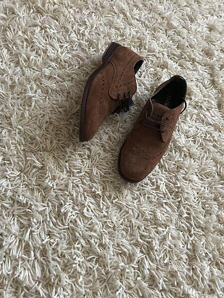 Класичні туфлі Reserved
