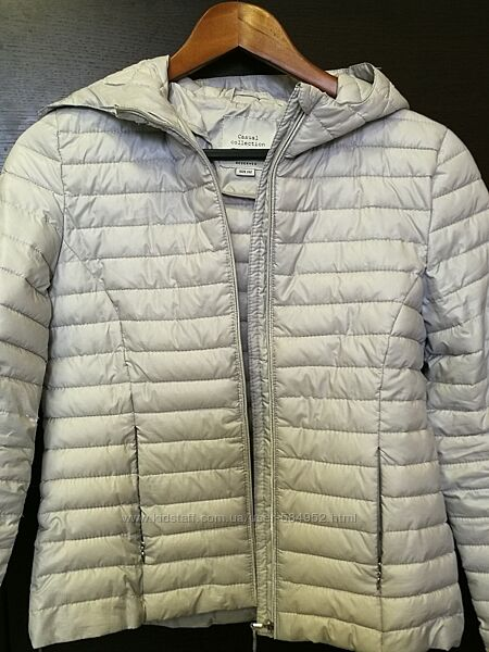 Куртка Reserved 152р б/у для девочки