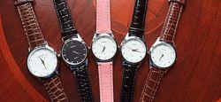 Оригинальные женские наручные кварцевые часы голубого цвета на ремешке