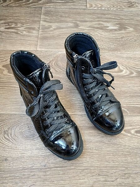 Демисезонные ботинки на девочку 32 размер
