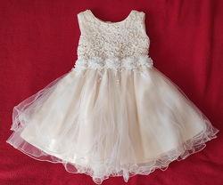 Нарядное шикарное платье на девочку 1-1,5 года 74-80см