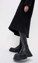 Моднявые кожаные сапоги, zara, оригинал, в наличии