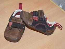 Туфли кроссовки пинетки Clarks р.3 , евр.18.5 полнота G