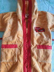 Яркий махровый халат Молния Маквин с поясом на 1-2 года в отличном состояни
