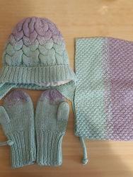 зимний комплект шапка, снуд и варежки