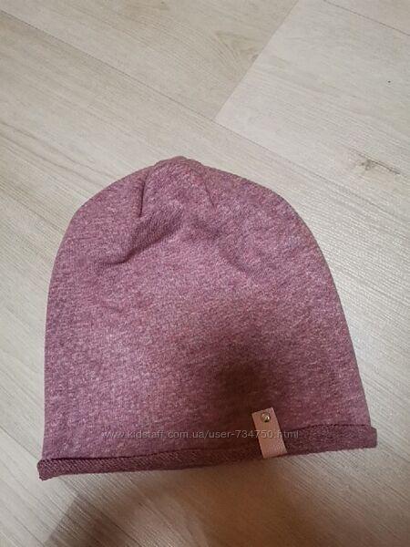 демисезонная шапка Reserved