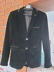 Пиджак фирменный на р. 128-134