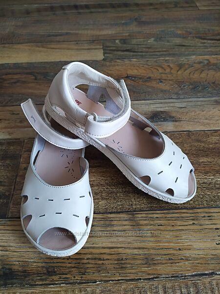 кожаные сандалики camper