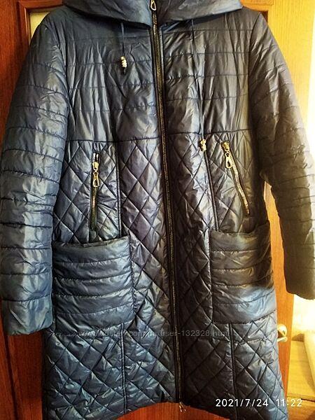 Пальто курточка женское теплое с капюшоном р.58-60