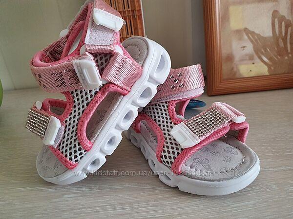 Легкие стильные босоножки сандалии