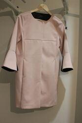Легкое нежно розовое пальто Comma размер S