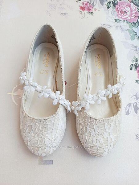 Туфлі фірми Monsoon