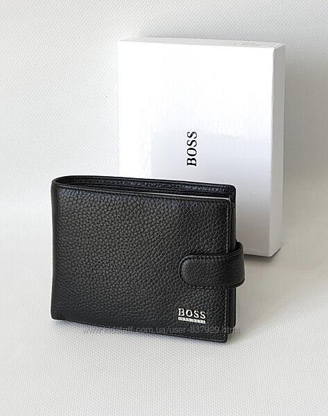Кожаное портмоне Hugo Boss.