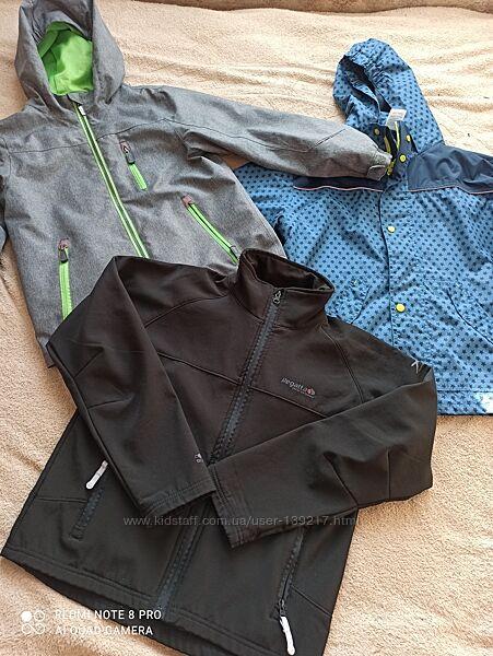 Фирменные весенние куртки ветровки на мальчика 10-11 лет.
