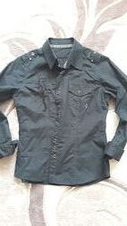 Чёрная рубашка с длинным рукавом с вышивкой