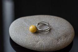 Серебряное кольцо с янатрем