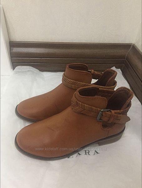Ботинки Zara р.33