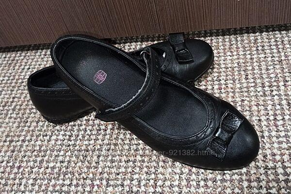 Туфли балетки clarks. размер 35 кожа по стельке 23 cм