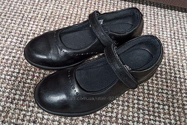Туфли clarks на девочку р. 32  стелька 21 см натуральная кожа