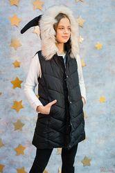 Жилетка для девочки с капюшоном Bo shi shen tong