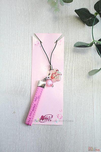 Брелок розового цвета для девочки Winx