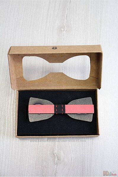 Бабочка деревянная красная в коробке Nekibuki