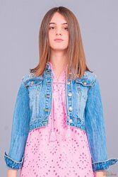 Джинсовая куртка с интересной декорацией To Be Too