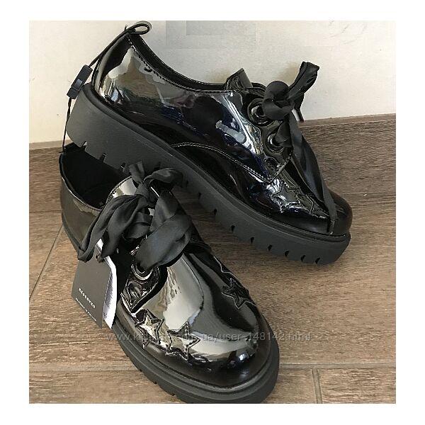 Лаковые черные туфли с атласными шнурками Reserved Резервед Размер 38
