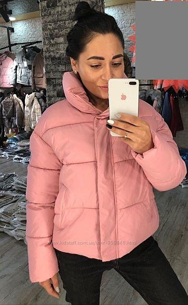 Женская модная короткая розовая куртка размер s, m, l с надписью на воротни