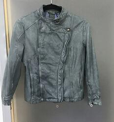 Кожаная куртка косуха Patrizia Pepe необычного цвета XS