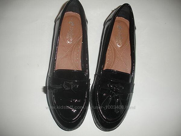 Фирменные tu лаковые туфли лоферы на 36 размер новые комфортные