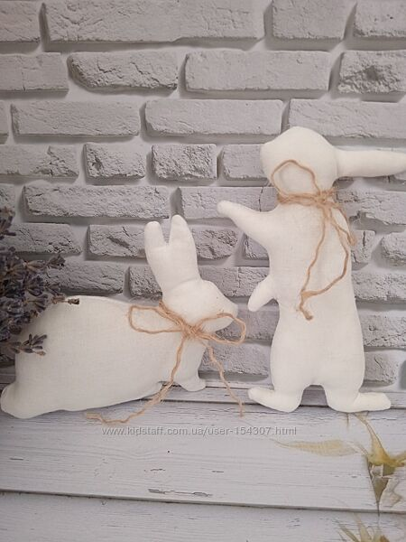 Парочка декоративных зайцев