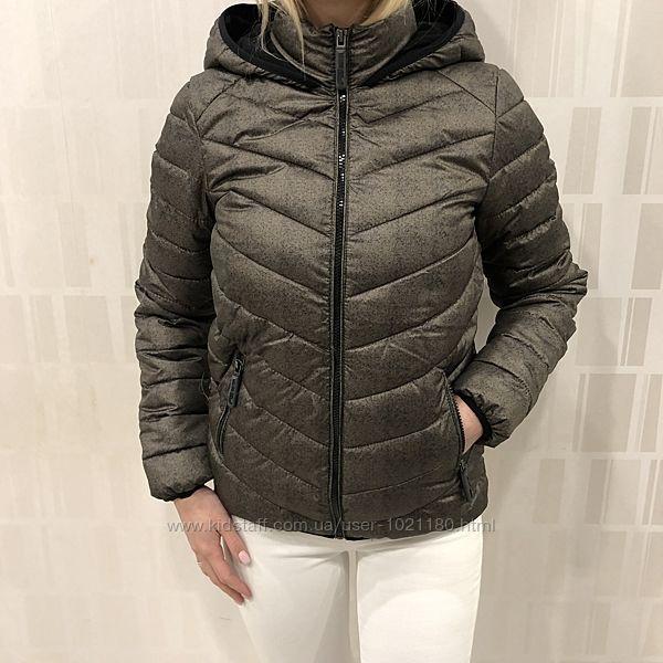 Демисезонная куртка на синтепоне. Amisu. FBsister. Размеры уточняйте.