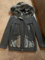 Стильная курточка с натур. мехом чернобурки