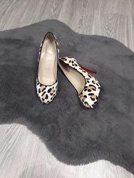 Туфлі леопард Christian louboutin