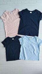 В наявності Нові футболки NEXT розм. 2-3 р. /98 і 3-4 р. /104 для дівчат